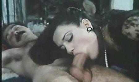 Kelsey Michaels اجازه می دهد دیک کرم خود را دانلود سکس مادر و پسر به داخل Vag 420 شلیک کند