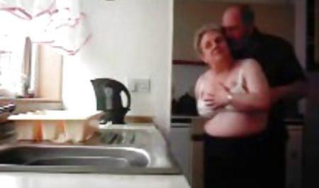 پسر خوش شانس سکس مادر حشری لعنتی توسط موی سرخ وحشی