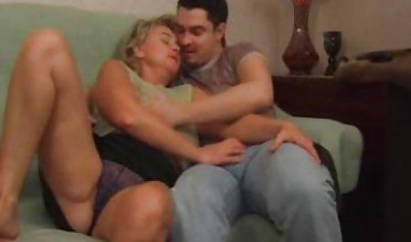 MILF بسیار جذاب سکس با مامان زوری با جوانان گربه